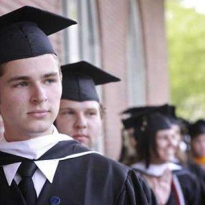 Cursos com diploma superior em dois e quatro anos